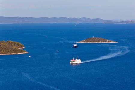paisaje mediterraneo: Paisaje mediterr�neo dispar� desde una parte superior de la isla Dugi otok  Foto de archivo