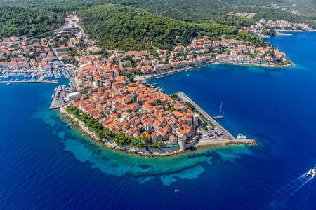 空中ヘリコプター撮影コルチュラ島旧市街ドブロブニク列島 - Elaphites 諸島の