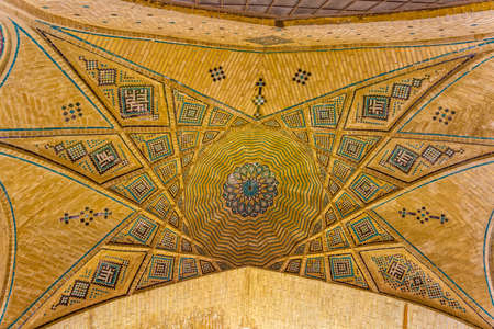 hafez: SHIRAZ, IRAN - MAY 2, 2015: Ceiling of the mausoleum of Saadi, known also as the tomb of Sady or Sadiyeh.