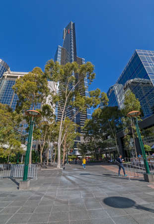 southbank: MELBOURNE, AUSTRALIA - MARCH 21, 2015: Eureka Tower the tallest building in the city view from Southbank promenade.