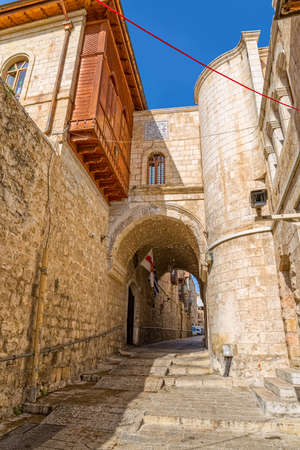 jewish houses: JERUSALEM, ISRAEL - JUNE 19, 2015: Quiet afternoon at the staircase narrow street near Jaffa gate in the old town.