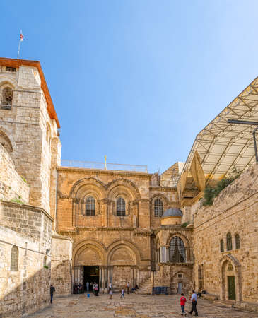 sepulchre: JERUSALEM, ISRAEL - JUNE 19, 2015: Tourists and pilgrims at the atrium of the Church of the Holy Sepulchre, holiest Christian site in the world. Editorial