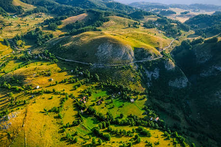 weald: Small mountain houses on the plateau on the mountain in Montenegro.