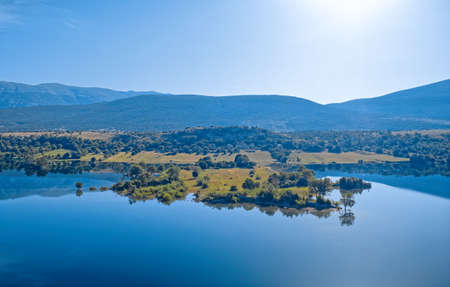 Reservoir lake Peruca at the river Cetina, Croatia Imagens
