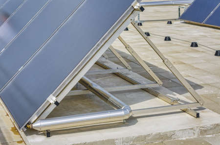 Solar panel water heater construction detail - Green Energy