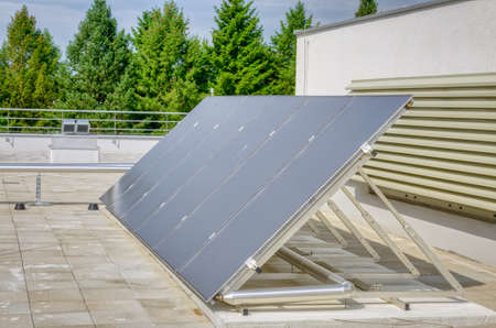 Solar panel water heater in a row - Green Energy