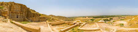 Panoramic view of the royal tomb ruins on the hill in old city Persepolis, a capital of the Achaemenid Empire 550 - 330 BC. 스톡 콘텐츠