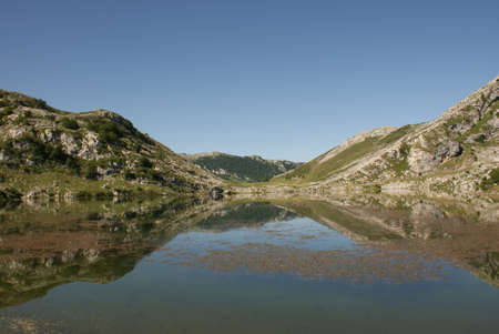 Lake at Peaks of Europe, Covadonga Lakes, Cangas de onis, Spain 版權商用圖片