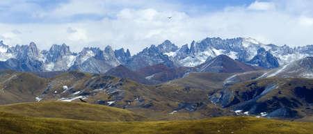 jokul: Group of NianBaoYuZhe mountain peaks