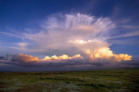 tableland: sunglow in yhe Qinghai-Tibet Plateau