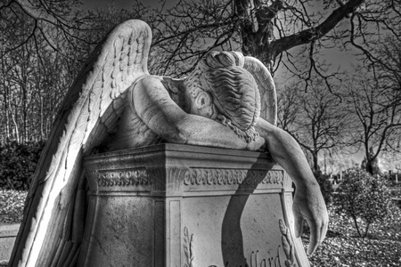 angel headstone: Crying Angel 16