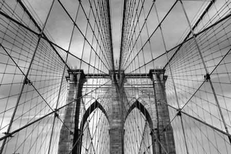 ブルックリン橋ブラック ホワイト 035 写真素材