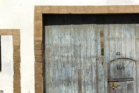Vintage door and handle