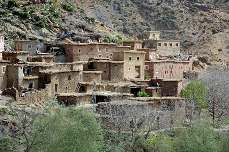 Ancient Kasbah found in Moroccos desertic countryside Standard-Bild - 109347977