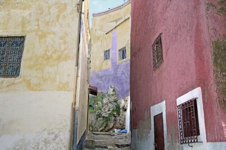 Ruelles et ruelles étroites dans les villes marocaines