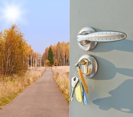 Open the door handle and keys