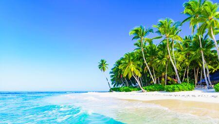 paradis tropical plage mer sur un tropical Banque d'images