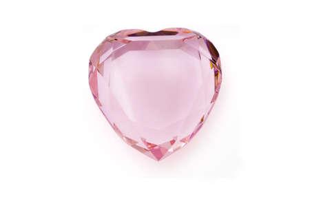 corazon cristal: Aislado coraz�n rosa de cristal de color Foto de archivo