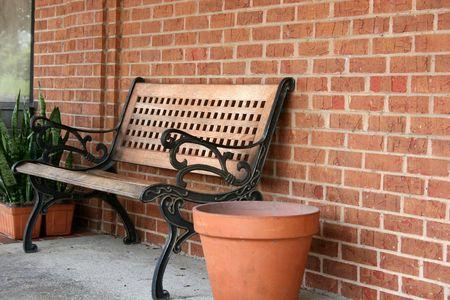 bench park: Park Bench en la calle  Foto de archivo