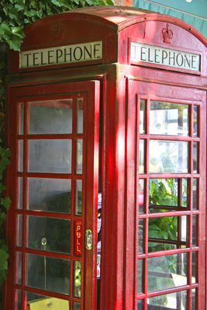 L'ancienne cabine de téléphone rouge Banque d'images - 540578