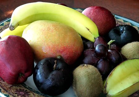 A nice arrangement of fresh fruit in a bowl Stock Photo - 815866