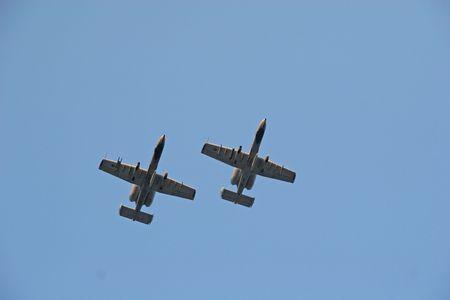 flyover: Flyover door twee A10 Warthog Fighter vliegtuigen
