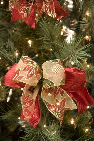 A custom christmas tree decorated with bows and ribbons Stock Photo - 2329655