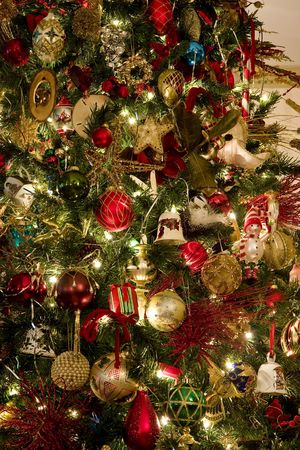 A nicely decorated christmas tree with many ornaments Stok Fotoğraf