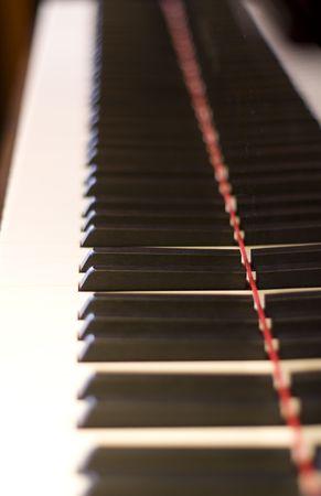 Close-up van een piano toetsen bord met witte en zwarte toetsen
