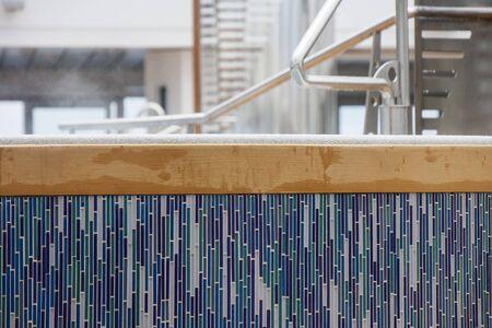 Aumento de vapor de un baño caliente decorado con azulejos de mosaico Foto de archivo - 14351082