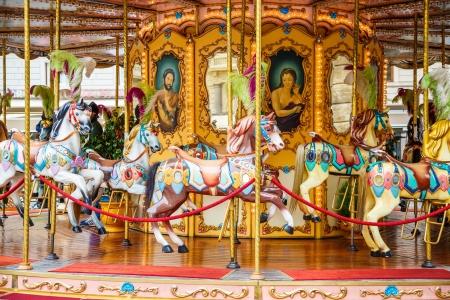 Carrousel op een plein in Florence, Italië