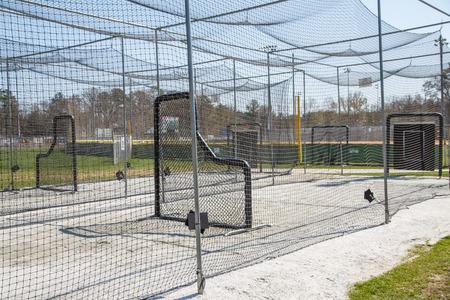 공공 야구 공원에서 체인 링크 배팅 케이지 스톡 콘텐츠