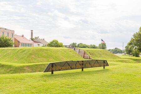 revolutionary war: A Revolutionary War memorial on an old grass bunker in Savannah, Georgia