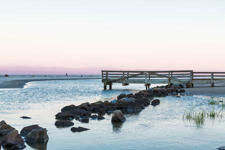 港の海岸に岩護岸 写真素材
