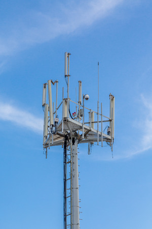Cellular tower with communicaitons equipment Imagens