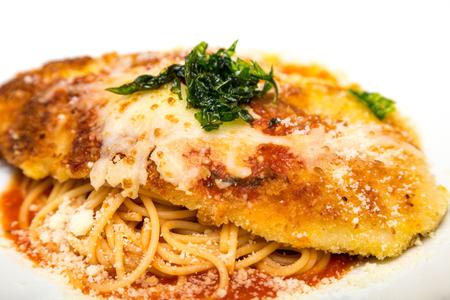 子牛の肉またはパスタ パルメザン チーズ入りチキン 写真素材
