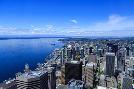 上からワシントン州のシアトルの眺め。