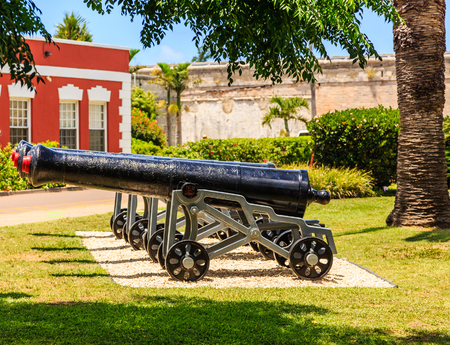 Old Iron cannons at the Naval Dockyward in Bermuda Reklamní fotografie