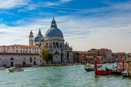 Church on Grand Canal in Venice Imagens