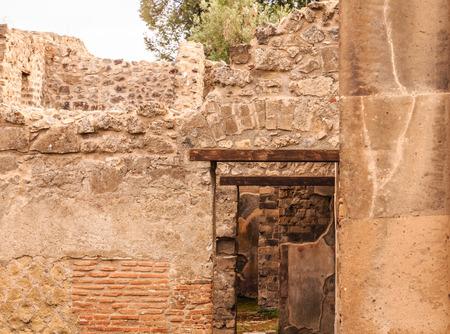 Doors within Doors in Pompeii Foto de archivo - 100733427