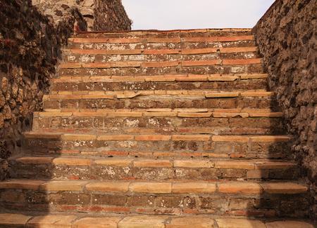 Ancient Stone Steps in Pompeii Foto de archivo - 102479931