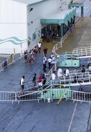 Cruise Ship Boarding in Aruba 에디토리얼