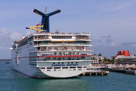Carnival Ectasy in Key West Standard-Bild - 117946042