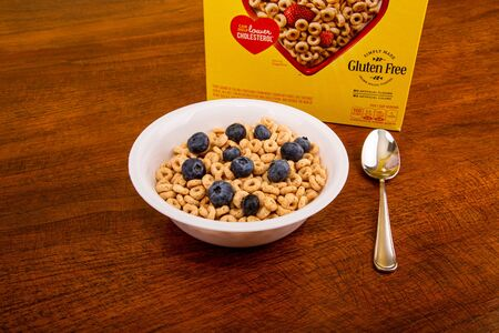 Cheerios with Blueberries