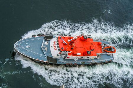 Lotsenboot von oben Standard-Bild