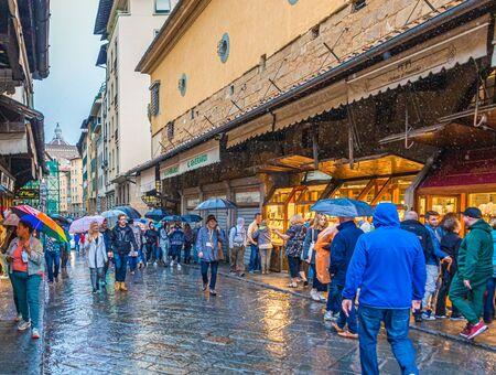 Rainy Day on Ponte Vecchio Publikacyjne