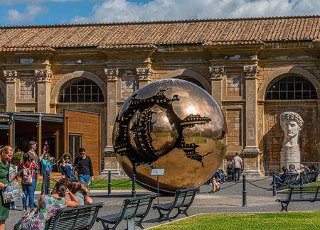 Vatican Sphere in Sphere Publikacyjne
