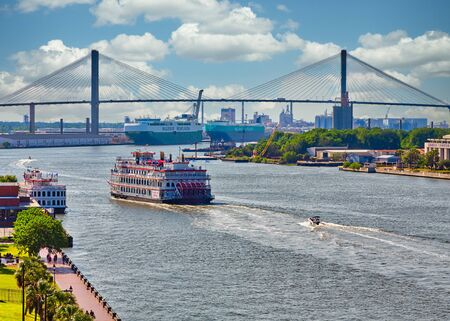 River Boats on the Savannah River Publikacyjne