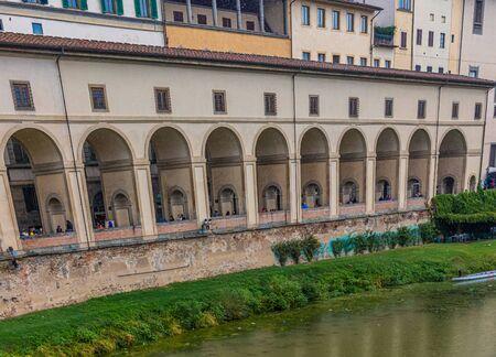 Arches on the Arno Publikacyjne