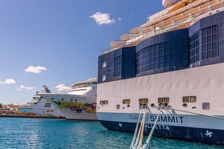 Celebrity Summit Tied From Aft